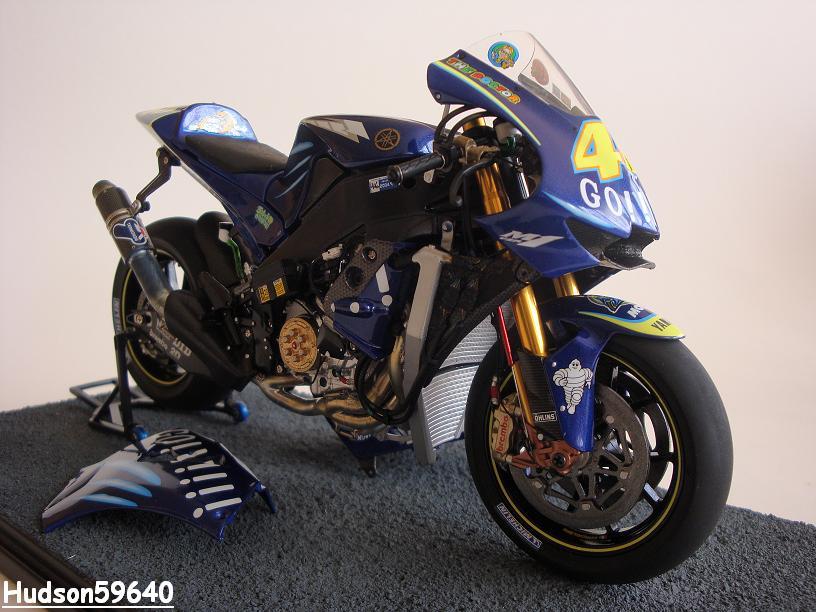 maquette moto 1/12 (hudson59640) - Page 2 DSC03429