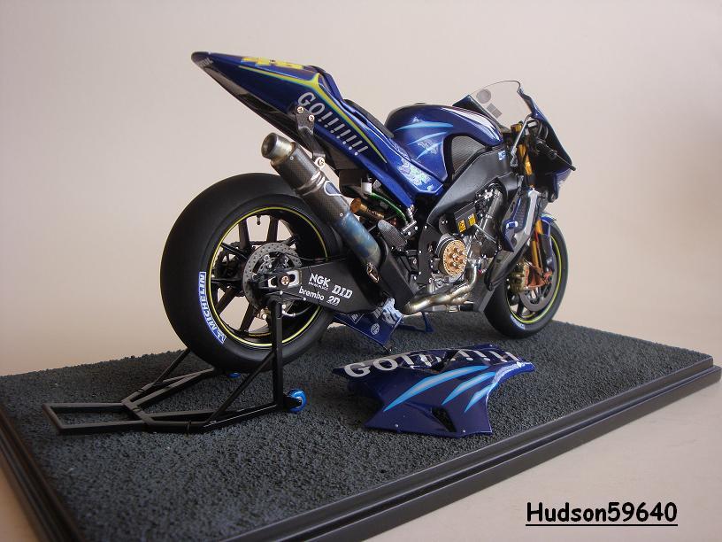 maquette moto 1/12 (hudson59640) - Page 2 DSC03431