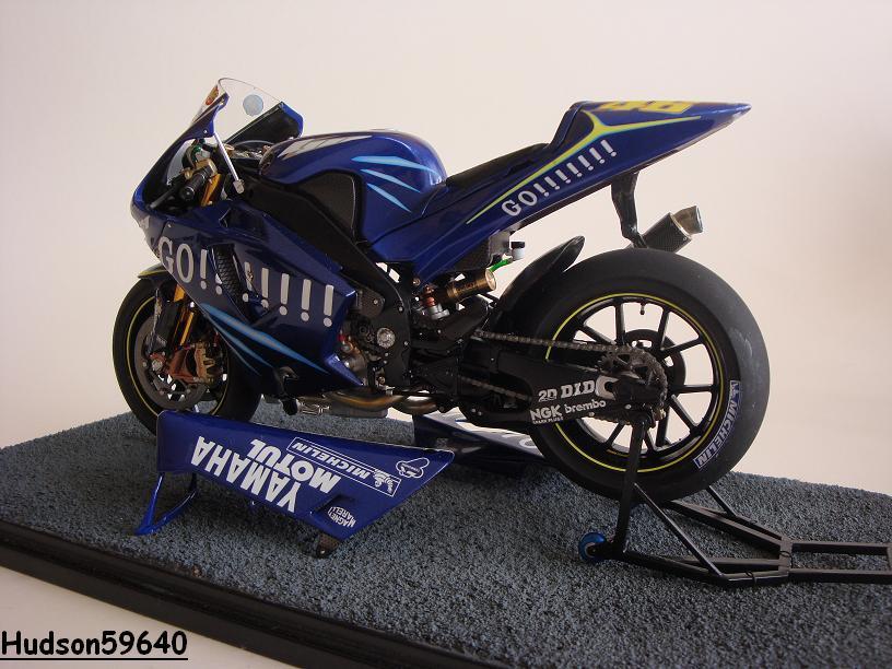 maquette moto 1/12 (hudson59640) - Page 2 DSC03435
