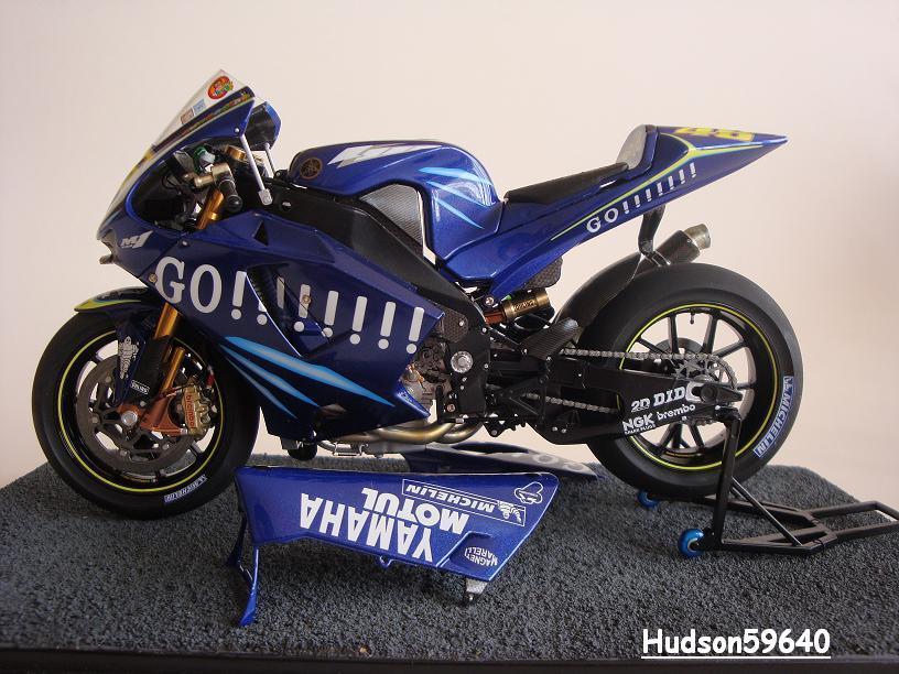 maquette moto 1/12 (hudson59640) - Page 2 DSC03436