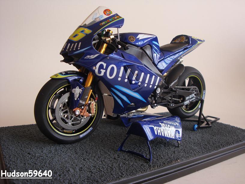 maquette moto 1/12 (hudson59640) - Page 2 DSC03437