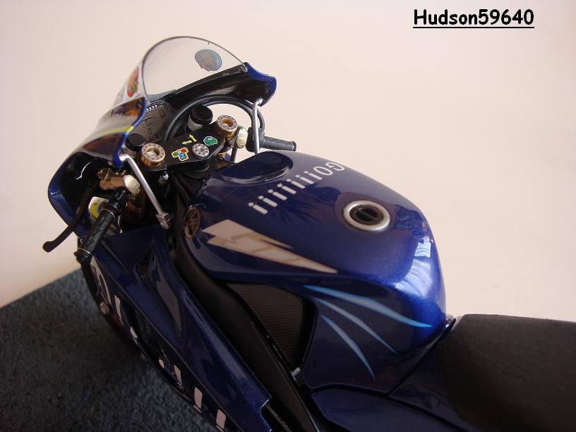 maquette moto 1/12 (hudson59640) - Page 2 DSC03439
