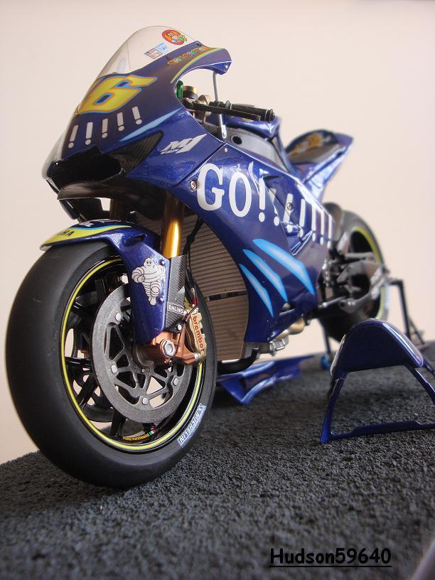 maquette moto 1/12 (hudson59640) - Page 2 DSC03442
